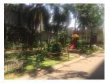 Taman depan kios