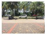 Parkiran & Jalan Raya Depan Ruko