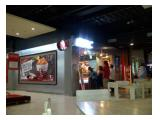 Dekat dengan outlet KFC